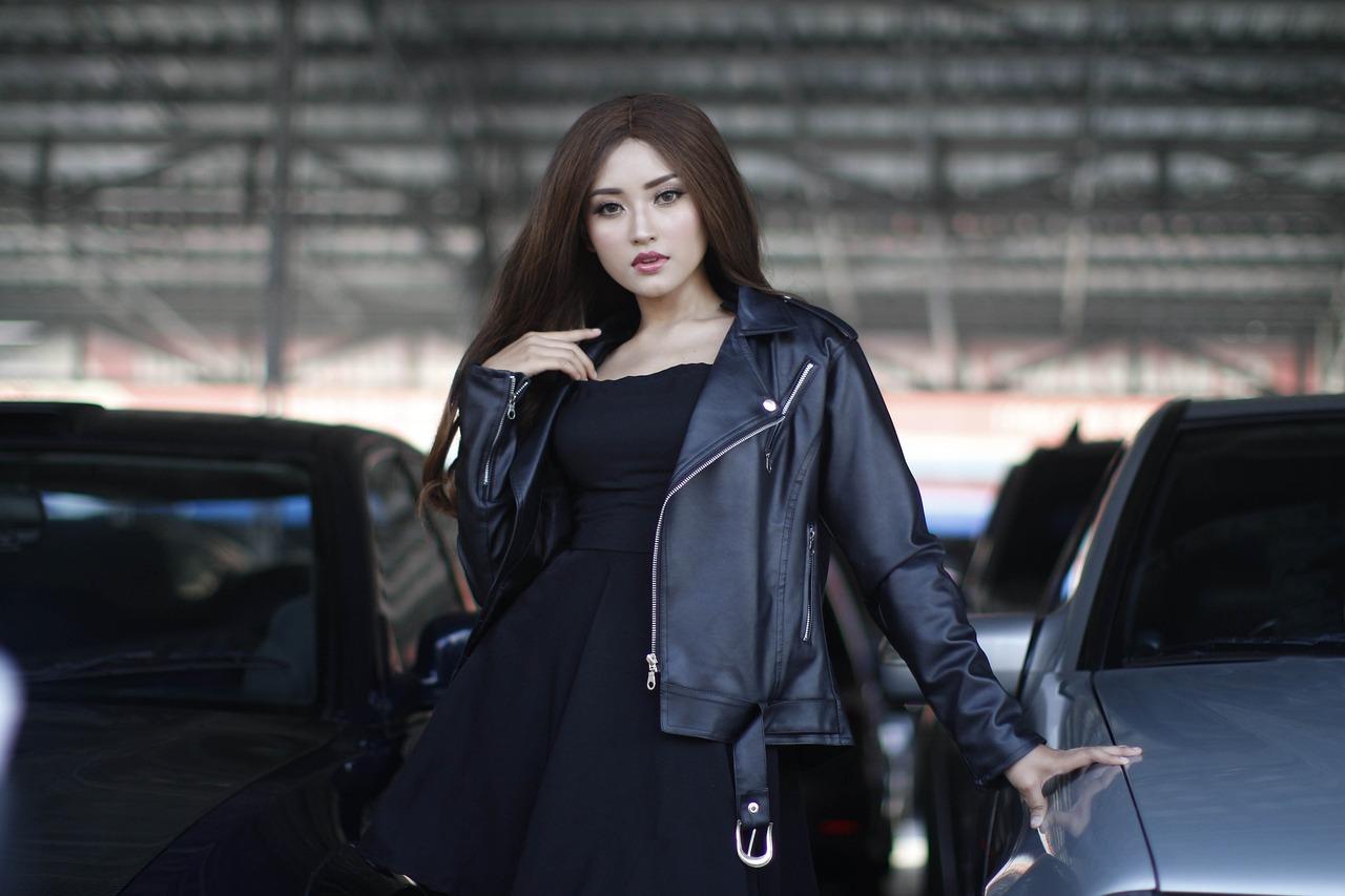 Woman Model Pose Dress Tights  - Endho / Pixabay