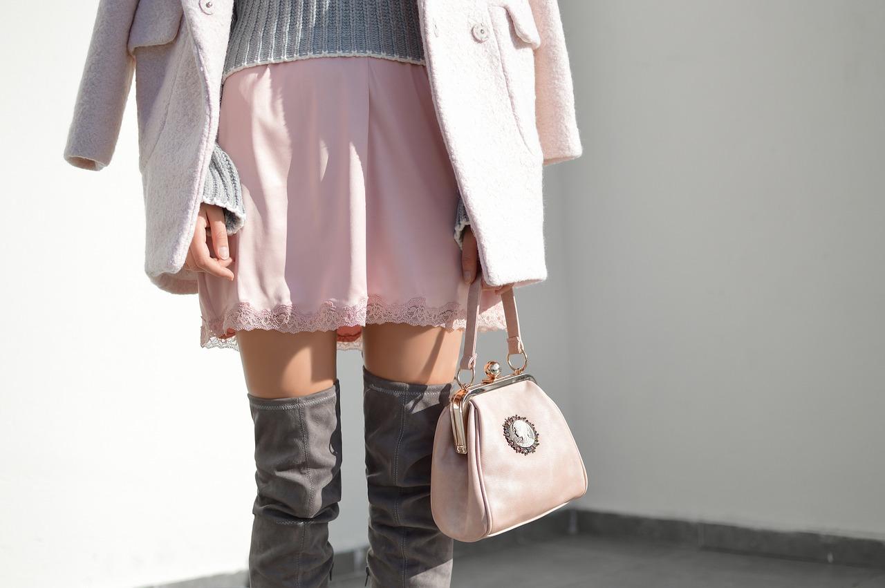 woman skirt photo